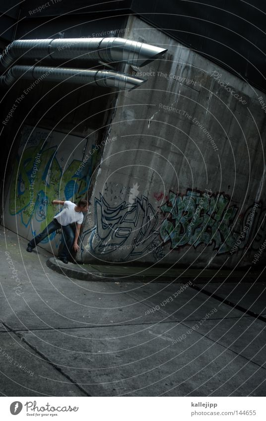kalle blomquist, der dritte man Mensch Mann Stadt Wand Graffiti grau Mauer Metall Angst Beton Schriftzeichen Lifestyle Ecke Metallwaren beobachten Schutz
