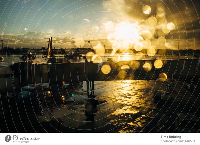 Regen am Flughafen Himmel Ferien & Urlaub & Reisen Sommer Wasser Sonne Wolken Freiheit Tourismus Verkehr Luftverkehr Erfolg Wassertropfen Industrie einzigartig