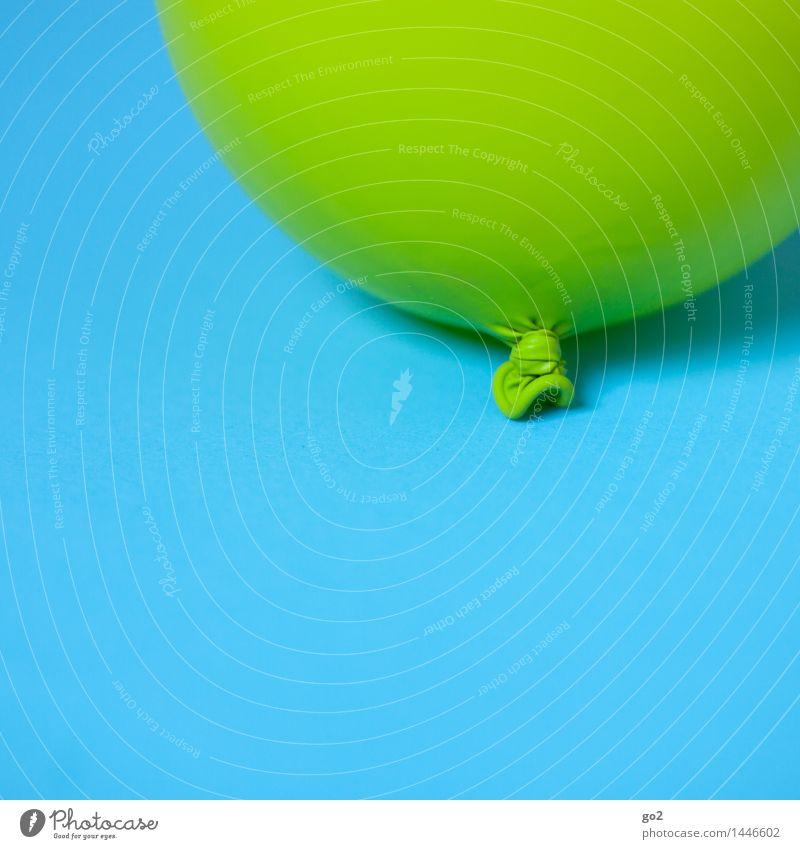 Grün auf Blau Farbe Freude Feste & Feiern Party Dekoration & Verzierung Geburtstag Fröhlichkeit ästhetisch einfach Luftballon Unendlichkeit Veranstaltung