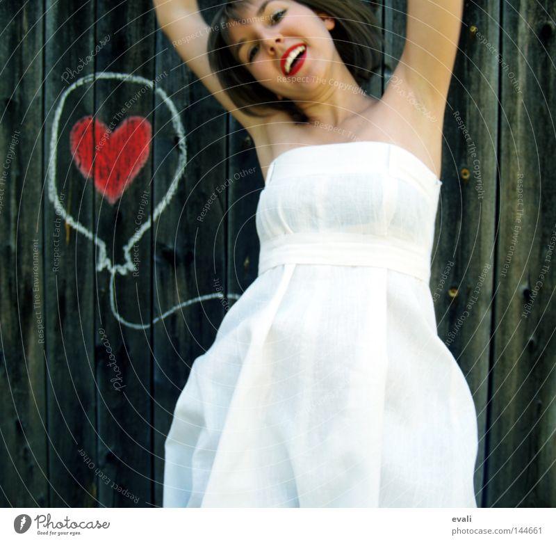 Loved Freude Sommer Hochzeit Frau Erwachsene Bekleidung Kleid Luftballon Herz lachen Liebe zeichnen springen rot weiß gezeichnet hüpfen white woman rote Lippen