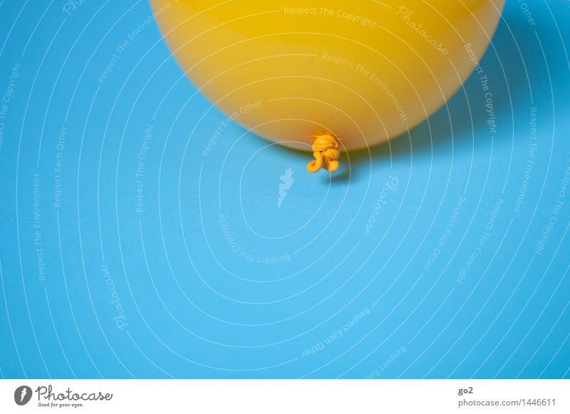 Gelb auf Blau blau Farbe Freude gelb Feste & Feiern fliegen Party Freizeit & Hobby frisch Dekoration & Verzierung Geburtstag Fröhlichkeit ästhetisch Lebensfreude einfach rund
