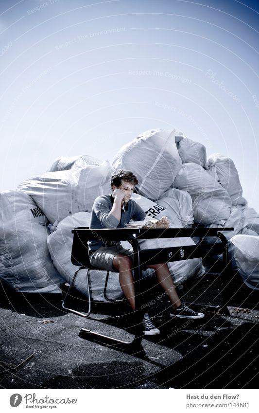 Schule.. Mann Farbe Leben Tod Wand grau Stil Denken träumen Musik Zufriedenheit Zusammensein dreckig sitzen Haut