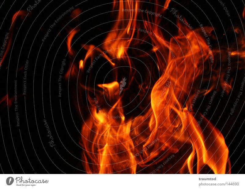 Tanz der Teufel II rot Freude schwarz gelb dunkel Wärme hell Beleuchtung orange Angst Brand Feuer Hoffnung Physik heiß brennen