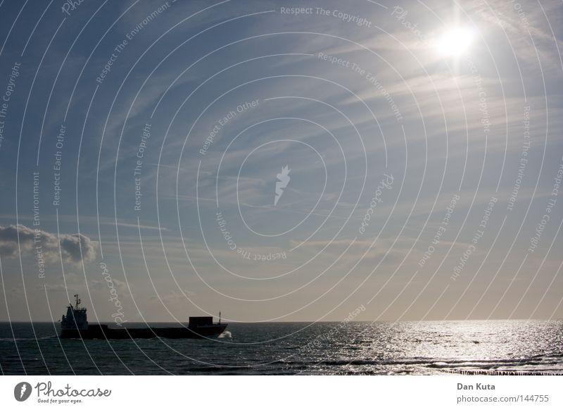 Breathing soul Himmel Ferien & Urlaub & Reisen blau Wasser Meer ruhig Wolken Freude Ferne kalt Leben Glück Freiheit Linie Wasserfahrzeug Horizont