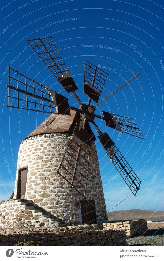 mill Windmühle Architektur Himmel Graffiti blau