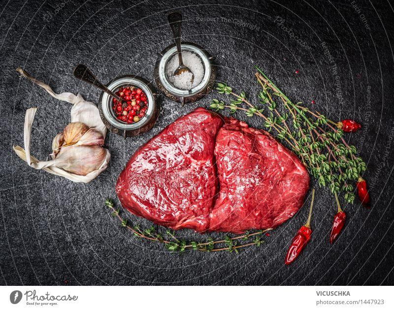 Rohes Fleisch Steak und Zutaten für schmackhafte Küche Gesunde Ernährung dunkel Essen Foodfotografie Stil Lebensmittel Design Tisch Kochen & Garen & Backen