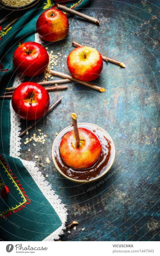 Rote Äpfel und Schokoladenüberzug Lebensmittel Apfel Dessert Süßwaren Ernährung Festessen Schalen & Schüsseln Stil Design Freude Sommer Tisch Küche