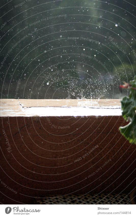 Impact Wasser Regen Wassertropfen gefroren Gewitter Unwetter spritzen einschlagen
