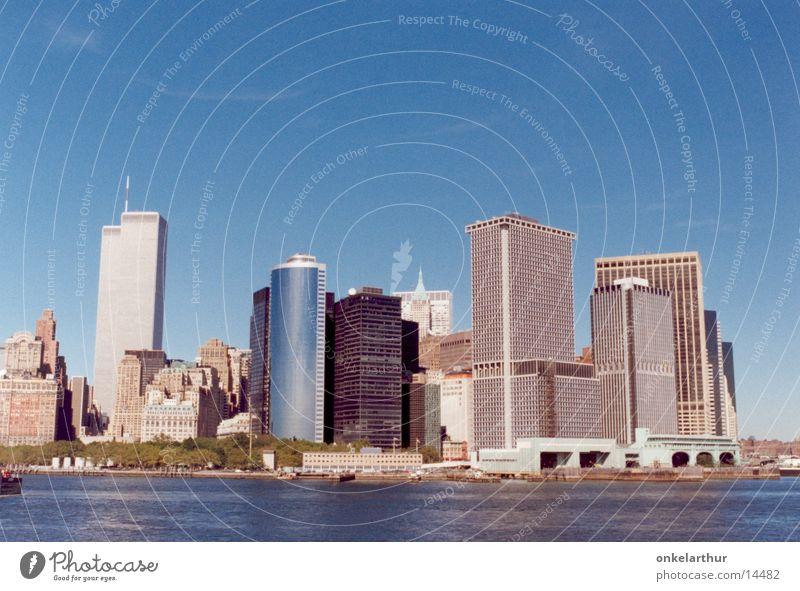 Skyline New York Manhattan World Trade Center Hochhaus Nordamerika Himmel Wasser Staten Island Ferry. Stadt