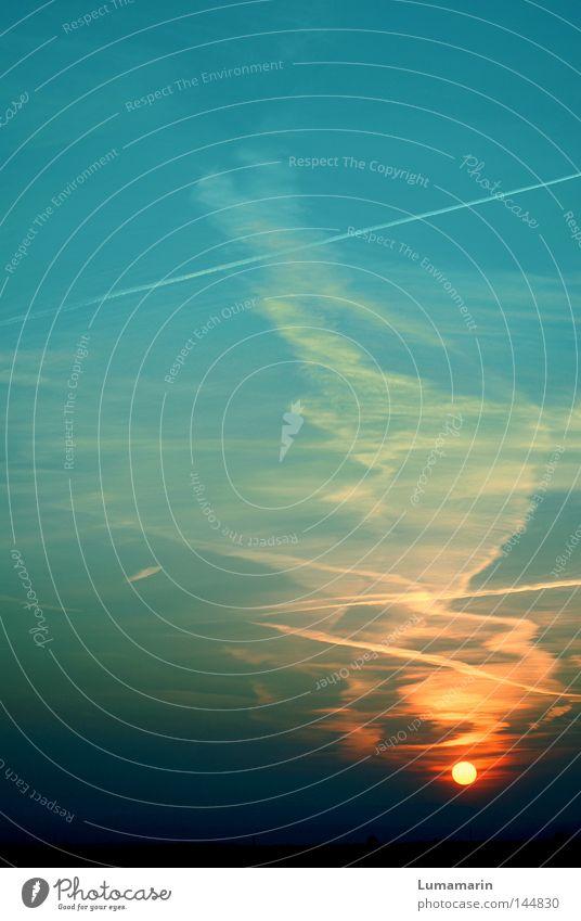 Gravitation Horizont Wolken Kondensstreifen Streifen Licht Sonne verschwunden Sonnenuntergang Abend Dämmerung schwarz dunkel Farbe mehrfarbig Gemälde malerisch