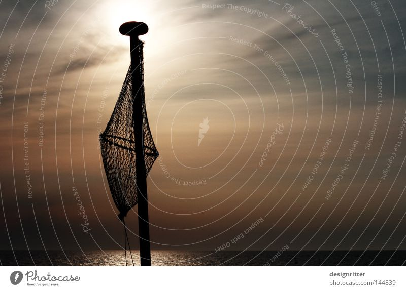 Frühschicht Wasser Himmel Sonne Meer Lampe dunkel See hell Horizont Fisch Fisch Netz fangen Ostsee Angeln Justizvollzugsanstalt