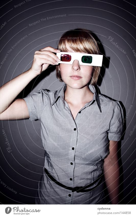 Alles so plastisch hier! Frau Mensch Jugendliche grün rot Freude Leben feminin Stil planen Perspektive neu Brille Kommunizieren Mut