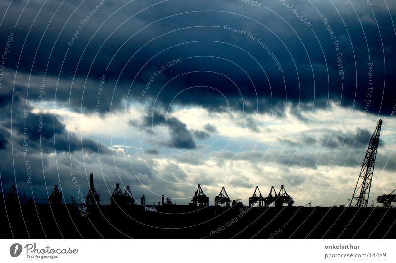 Containerhafen Wolken dunkel Hamburg Elbe Hafen Himmel Industriefotografie