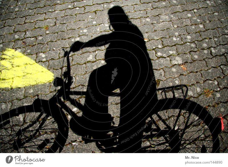 schriTTTempo Mensch Mann rot schwarz gelb dunkel Spielen Wege & Pfade grau Lampe Beleuchtung Fahrrad Freizeit & Hobby Verkehr Geschwindigkeit stoppen