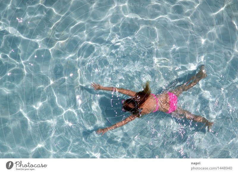 Pooltreiben feminin Mädchen Jugendliche Leben 1 Mensch 8-13 Jahre Kind Kindheit 13-18 Jahre Wasser Sommer Wärme Schwimmbad Bikini langhaarig Erholung Fitness
