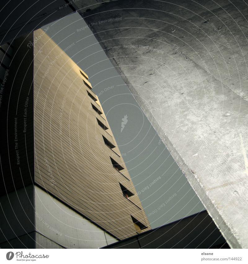 . Kasten Haus Himmel blau Schönes Wetter Karlsruhe groß Macht Stein Stadt Hochhaus Quadrat Bankgebäude Geldinstitut Glas Gebäude Stahl Beton Spiegel Fenster