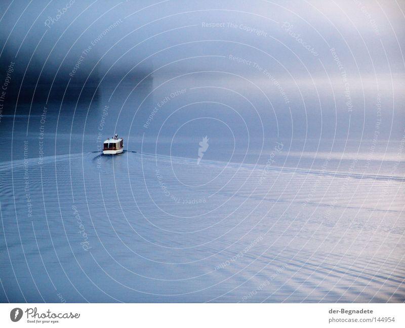 Morgens am Königssee Natur Wasser Ferien & Urlaub & Reisen schön Einsamkeit Wolken ruhig Erholung Deutschland Wasserfahrzeug Wellen Klima Freizeit & Hobby Nebel