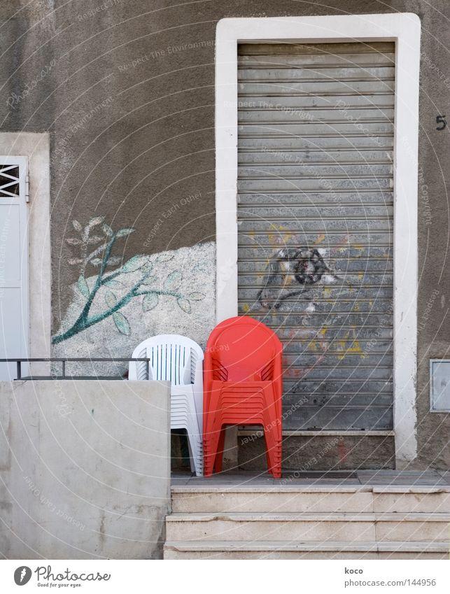 ROT weiß rot Einsamkeit grau 2 Tür Stuhl Italien Statue Möbel Stapel Sessel Wandmalereien