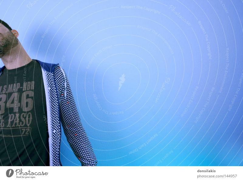 off se plu wall Selbstportrait blau Wand Bart Mensch Jugendliche Mann kariert Hals verstecken träumen frei Freiheit Zufriedenheit Innenaufnahme Farbe gestreckt