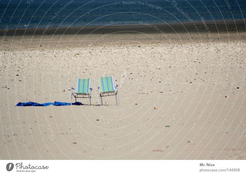 Wir sind dann mal kurz weg.... Liegestuhl Erholung erholsam ruhig ruhen Wellness Ferien & Urlaub & Reisen Sommerferien Strand Meer Handtuch Badetuch 2 gestreift