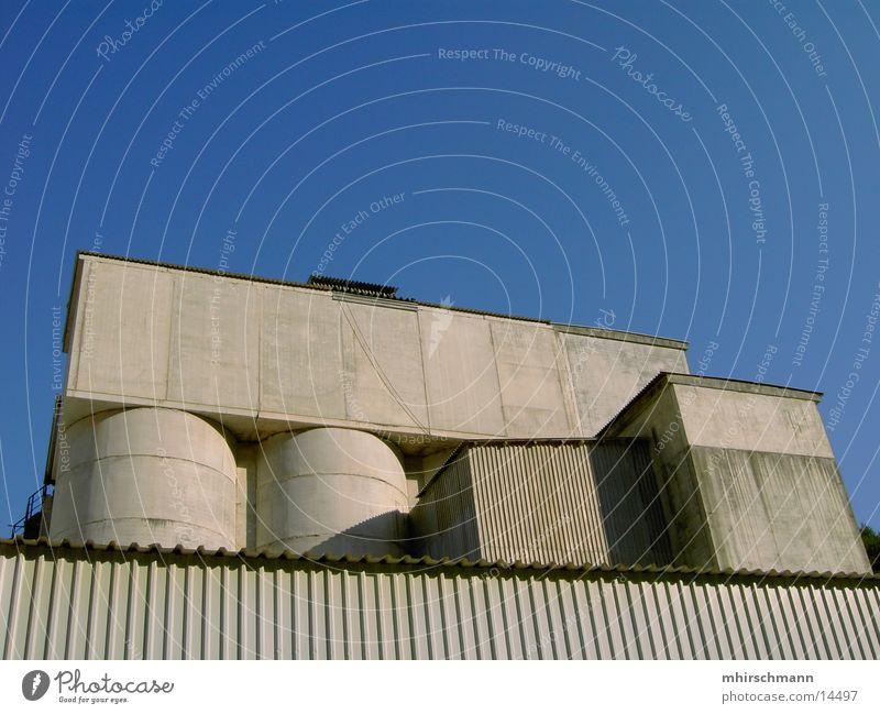 silo des himmels Silo Steinbruch Gebäude Haus Beton grau Architektur Himmel