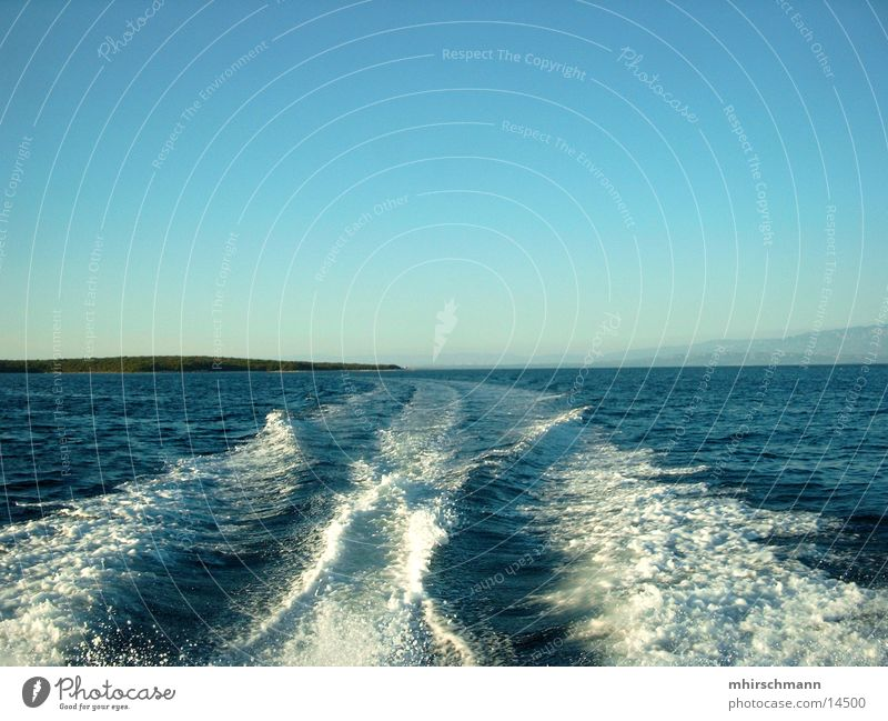 heckwelle Wasser Himmel Meer Ferien & Urlaub & Reisen Erholung Wasserfahrzeug Wellen Spuren Schifffahrt Kroatien Gischt Adria Fahrwasser