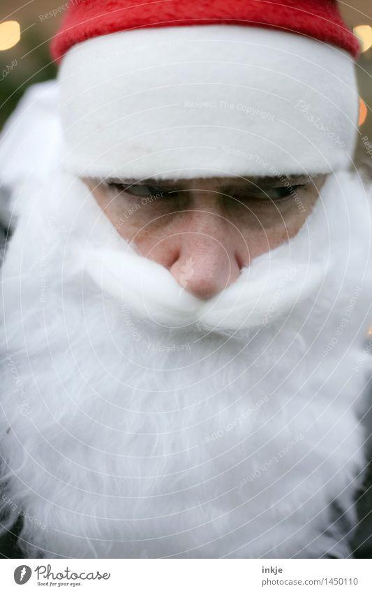 jaja, ich weiß! Ho-Ho-Ho Lifestyle Weihnachten & Advent Gesicht Auge Bart 1 Mensch Mütze Vollbart Lichtpunkt Unschärfe Blick Gefühle Selbstbeherrschung Unlust