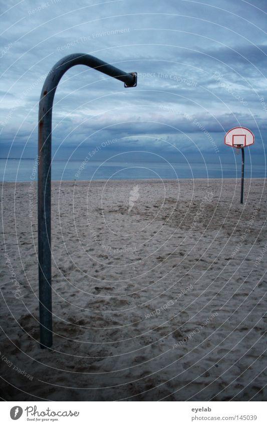 Nur der halbe Spass Himmel Wasser Sonne Meer Strand Freude Einsamkeit Wolken Sport Spielen Küste Sand See Metall Wetter Feld
