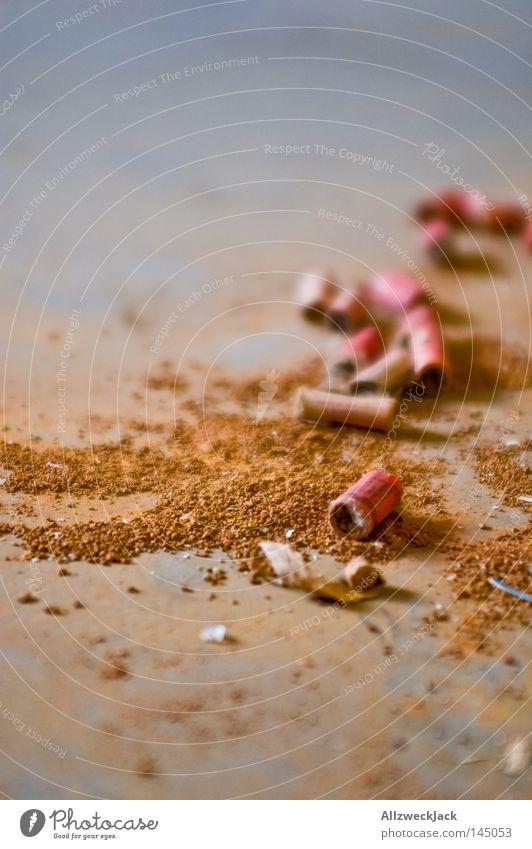 the day after Feuerwerk Silvester u. Neujahr Neujahrsfest Feste & Feiern Müll Rest Blindgänger Hochformat gefährlich blitzknaller knallen böllern schwarzpulver