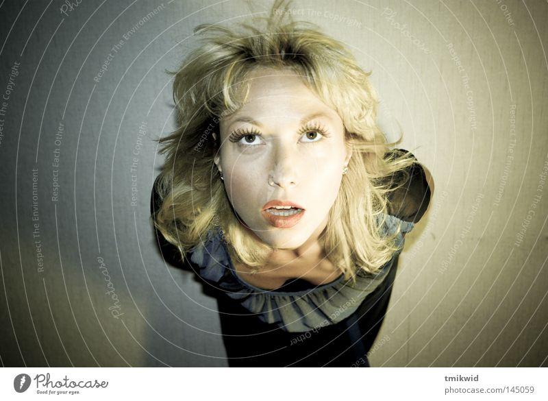 Frau Auge Haare & Frisuren Mund blond Behaarung Lippen