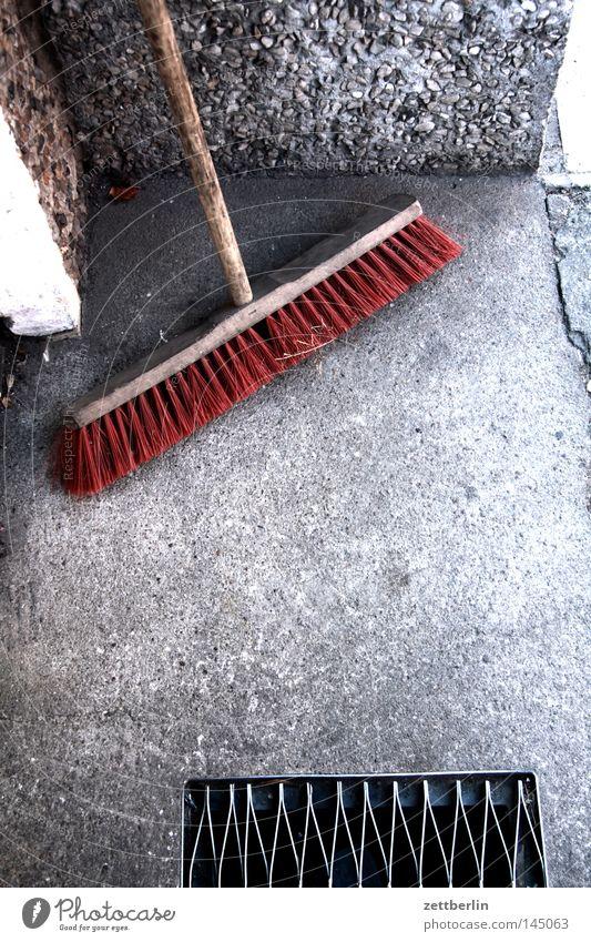 Besen Ecke Sauberkeit Häusliches Leben Reinigen Dienstleistungsgewerbe Handwerk Bürgersteig Eingang Ausgang Besen Hexe Besenstiel Kehren