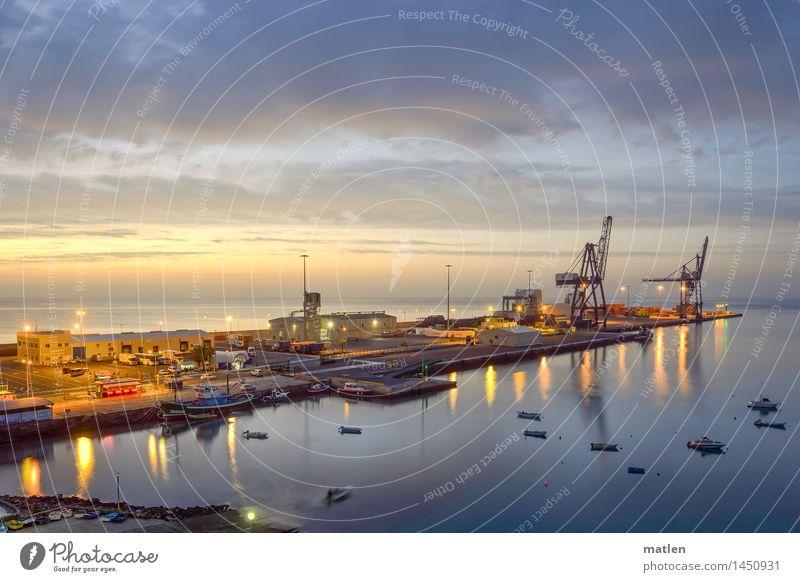 pier Verkehr Güterverkehr & Logistik Schifffahrt Fähre Motorboot Beiboot Wasserfahrzeug Hafen Container Ferne Stadt blau braun mehrfarbig gold rot schwarz
