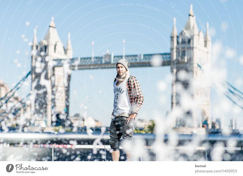 Waterman (4) Lifestyle Stil Tourismus Mensch maskulin Junger Mann Jugendliche Erwachsene Leben Körper 1 18-30 Jahre Wasser Wassertropfen London Brücke
