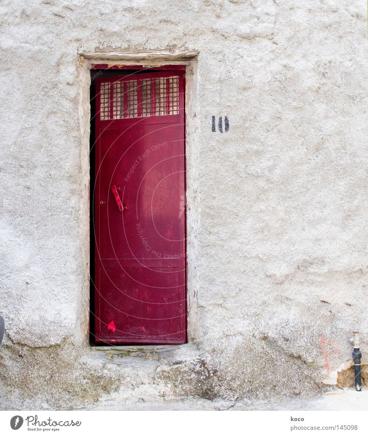 vor der tür ist draussen rot Haus Gebäude Tür Italien Ziffern & Zahlen Tor Eingang 10