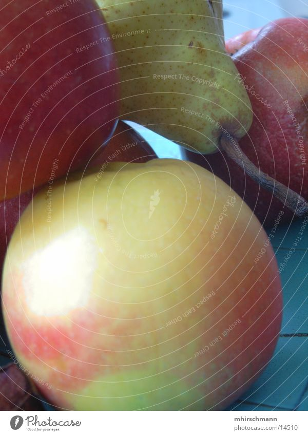 obst rot Ernährung Frucht Birne Apfel grün-blau