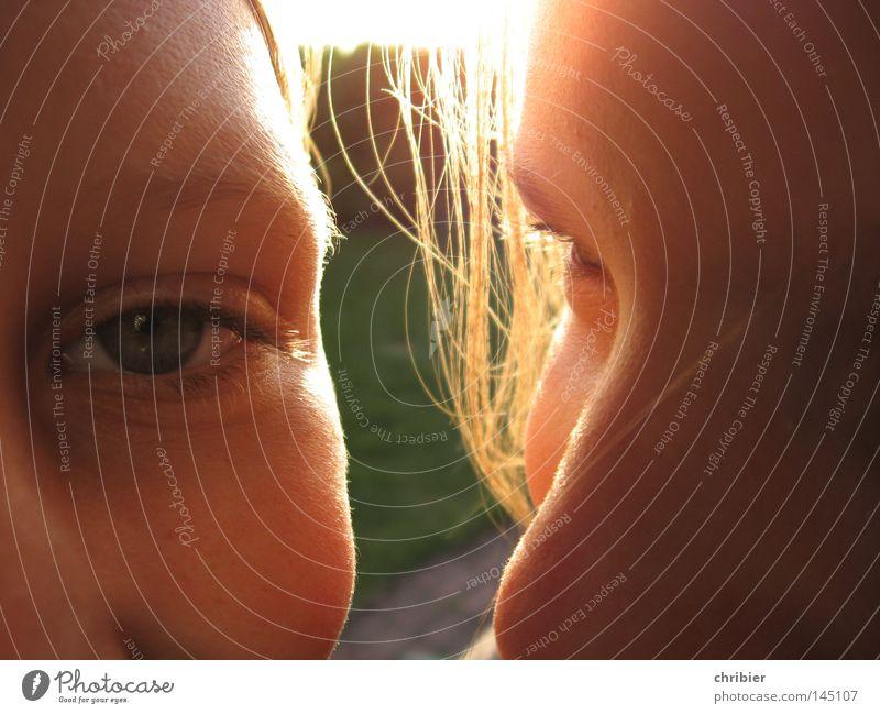 Dreimal Sonnenschein Mensch Jugendliche Sonne Sommer Gesicht Auge Haare & Frisuren Freundschaft Beleuchtung Haut Nase Freundlichkeit Lächeln blenden Wimpern