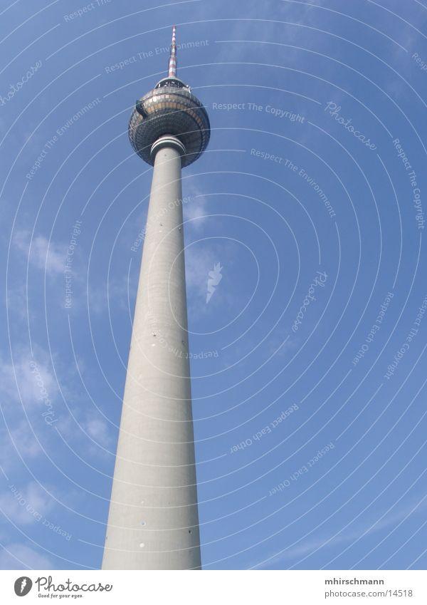 fernsehturm Wolken Architektur Berlin Berliner Fernsehturm turm. fernsehen Niveau hoch Himmel