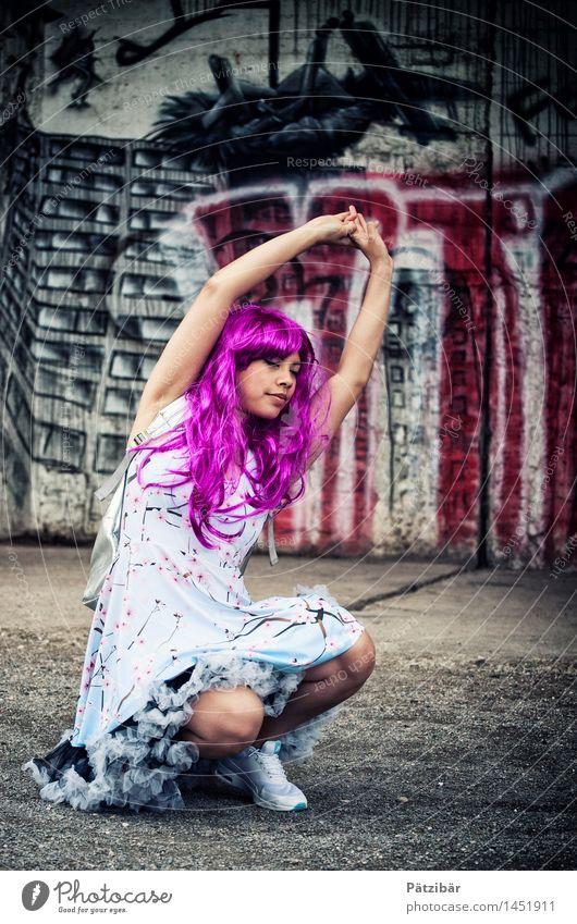 Ne Streck-Elfe feminin Stil außergewöhnlich Mode Design Kraft Tanzen fantastisch Lebensfreude Coolness Kleid Show violett Fabrik Leidenschaft trendy