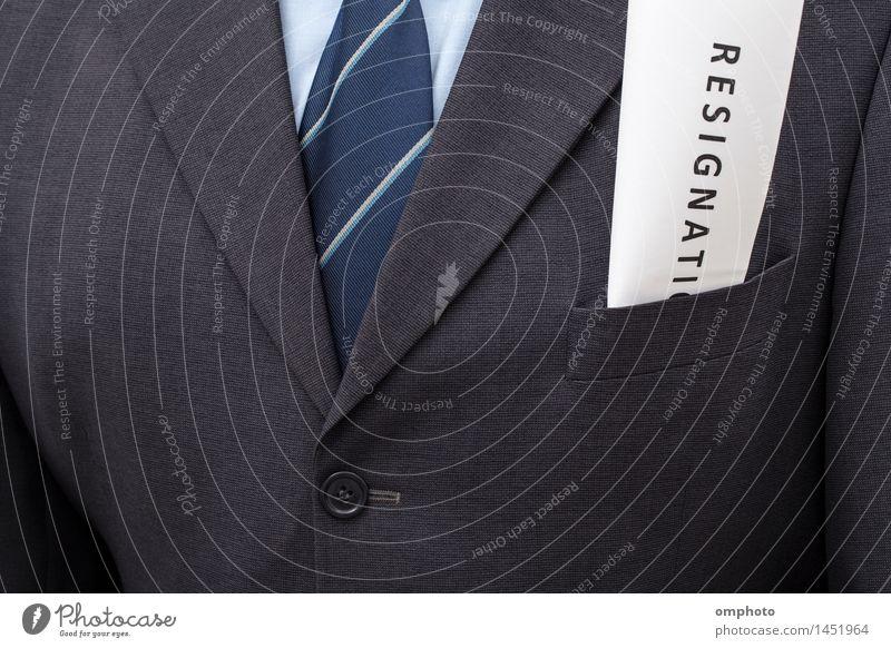 Gefaltetes Rücktrittsschreiben, in die Jackentasche eines Mannes gesteckt Freiheit Dekoration & Verzierung Arbeit & Erwerbstätigkeit Beruf Büroarbeit Business