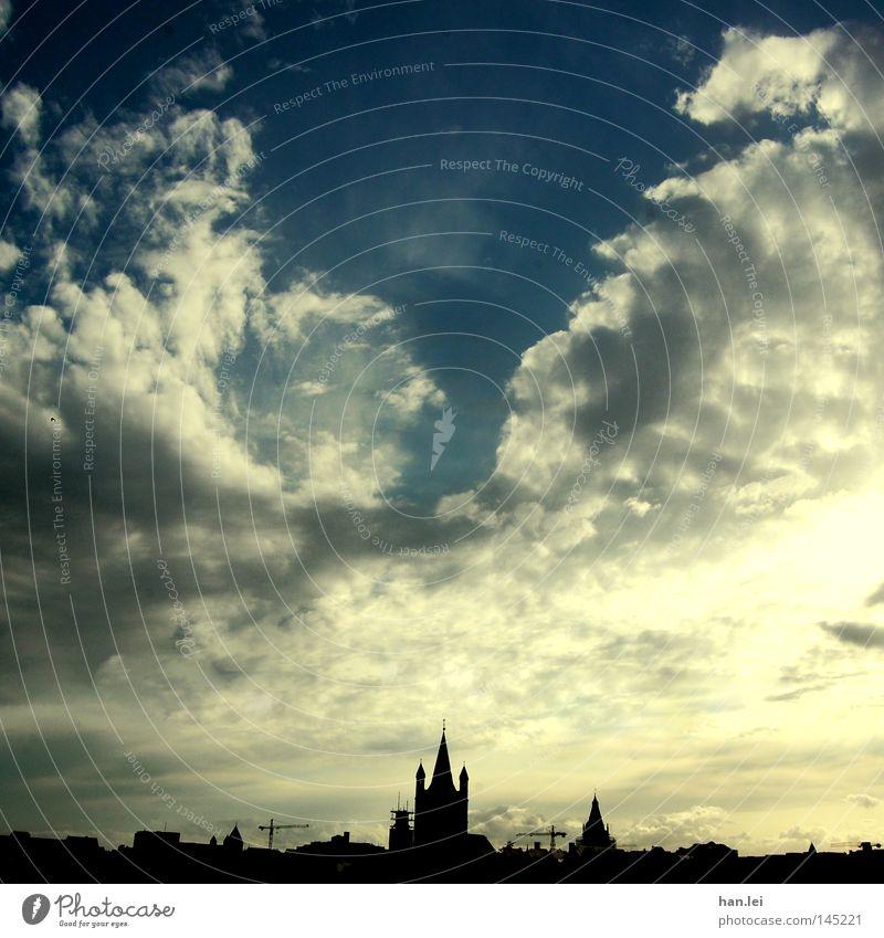 Cologne skyline Himmel Stadt Wolken Haus Architektur Horizont Hochhaus Dach Silhouette Spitze Skyline Köln Abenddämmerung Gotik Rathaus Kirchturm