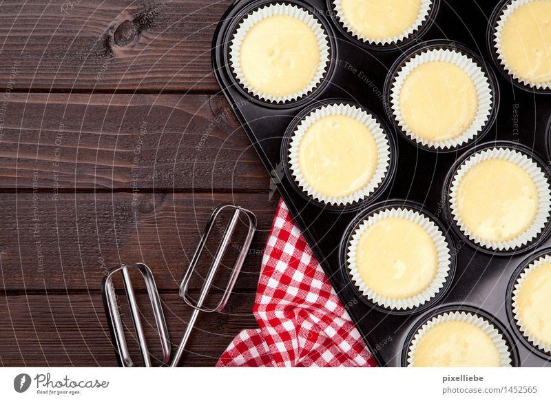 Gerührt, nicht geschüttelt! Lebensmittel Teigwaren Backwaren Kuchen Dessert Süßwaren Ernährung Kaffeetrinken Fingerfood Geschirr Pfanne Besteck Lifestyle