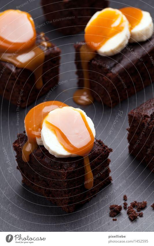 Brownies mit Bananen-Karamell-Topping Lebensmittel Frucht Teigwaren Backwaren Kuchen Dessert Süßwaren Schokolade Ernährung Essen Kaffeetrinken Fingerfood