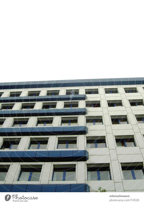 Block #1 Himmel blau weiß Haus Architektur Gebäude Hochhaus Hotel Plattenbau Generator
