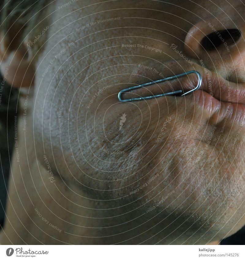 bürohengst Mensch Mann Gesicht Metall Arbeit & Erwerbstätigkeit Mund Haut Nase Küssen Schriftstück Schmuck Aktenordner Piercing Zweck Klammer Funktion