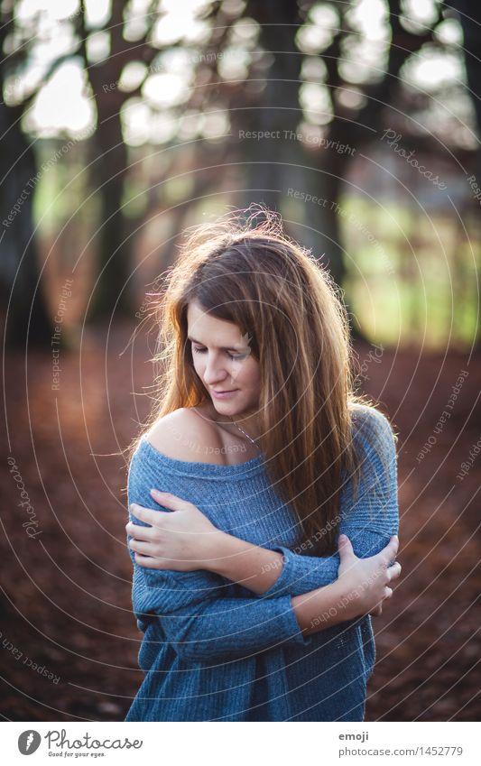 Herbst Mensch Jugendliche schön Junge Frau 18-30 Jahre Erwachsene feminin kuschlig