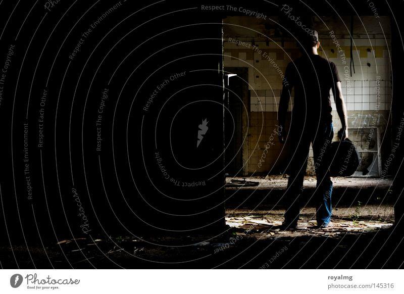 an die Arbeit Fabrik Fenster Zerstörung Trauer Altbau Industriefotografie Industrialisierung Vergangenheit Vergänglichkeit alt Einsamkeit leer vergangen Licht
