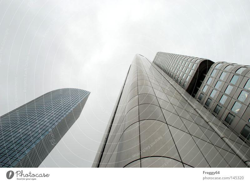 Himmel Wolken Haus Hochhaus Fenster Mauer Beton Fahrstuhl Treppe Dachterrasse Frankfurt am Main Stadt hoch groß Ausstellung Messe Erfolg sky clouds Bauwerk Glas