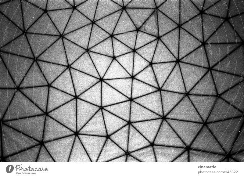 Das Netz Decke Kuppeldach Ball Grunewald USA Radarstation Kugel Himmel Geräusch Stimmung Kontrolle Dach Schwarzweißfoto verfallen Teufelsberg NSA