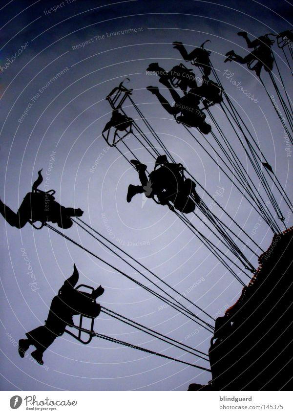 Ride The Sky Mensch Himmel Freude dunkel Spielen Gefühle Bewegung Beine Feste & Feiern Freizeit & Hobby Angst warten fliegen leer schreien drehen
