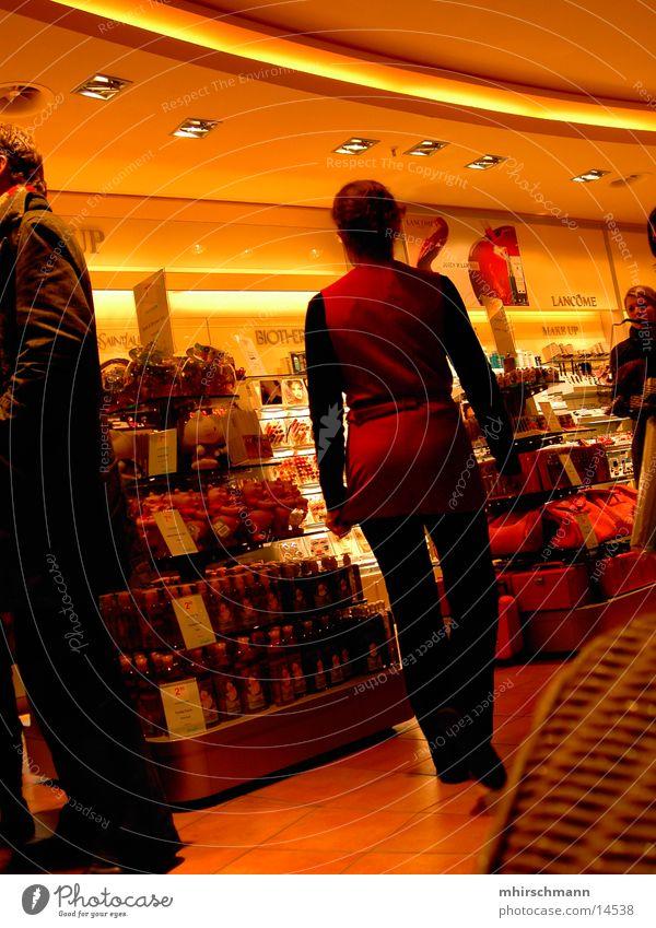 weihnachtseinkauf #1 Mensch Weihnachten & Advent gelb kaufen Ladengeschäft Händler Handel Douglas